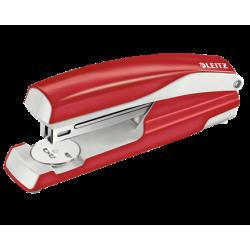 Zszywacz duży Leitz z kolekcji NeXXt Series - czerwony