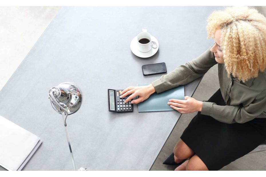 Wyposażenie nowoczesnego domowego biura