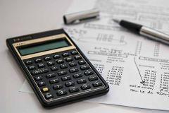 Jak pomóc sobie w obliczeniach? Rodzaje kalkulatorów